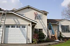 Pintura de casa exterior Imagens de Stock Royalty Free