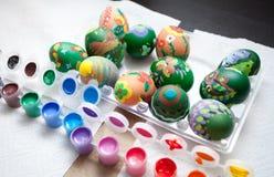 Pintura de los huevos de Pascua Imagenes de archivo