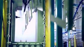 Pintura de pulverizador industrial das peças do metall filme