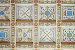Pintura decorativa en un techo fotografía de archivo libre de regalías