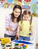 Pintura del niño en pre-entrenamiento. Imágenes de archivo libres de regalías