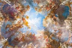 Pintura del techo del palacio Versalles cerca de París, Francia Foto de archivo
