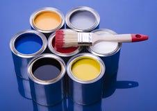 Pintura e escova imagem de stock