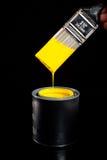 Pintura e escova amarelas Imagem de Stock