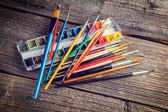 Pintura e escovas de Aristic Fotografia de Stock Royalty Free