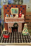 Pintura hermosa de la chimenea y del chimmney, hecha para la competencia de la casa de pan de jengibre, George Eastman House, Roc Foto de archivo libre de regalías