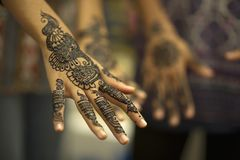 Pintura hermosa de la mano fotografía de archivo