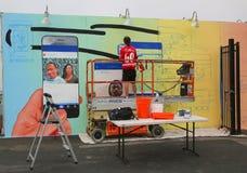 Pintura mural da pintura do artista da rua na pele de coelho nova Art Walls da atração da arte da rua Fotos de Stock Royalty Free