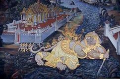 Pintura mural de Ramayana em Wat Pra Kaew, Banguecoque, Tailândia foto de stock royalty free