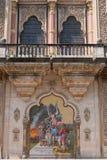 Pintura mural em uma entrada indiana do palácio Foto de Stock Royalty Free