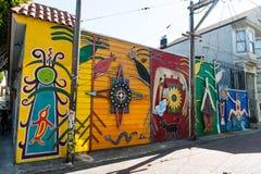 Pintura mural na vizinhança do distrito da missão em San Francisco Imagens de Stock