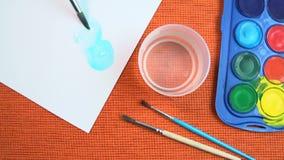 Pintura por las acuarelas del niño una flor azul cerúlea FDV