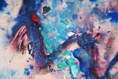 A pintura preta verde vermelha cor-de-rosa azul, cores macias da mistura, pintando mancha o fundo, fundo abstrato colorido da aqu ilustração royalty free