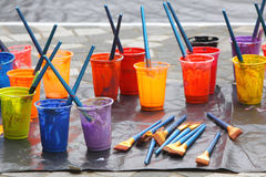 Pintura y cepillo de pintura Imagen de archivo libre de regalías