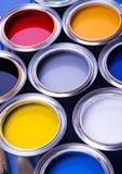 Pintura y latas Imagenes de archivo