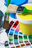 Pinturas, cepillos y accesorios para la reparación Imágenes de archivo libres de regalías