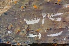 Pinturas da rocha nas rochas em Chukotka fotos de stock royalty free