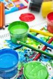 Pinturas das crianças Fotografia de Stock
