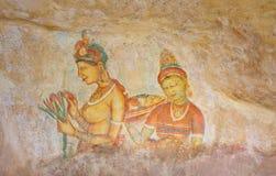 Pinturas de pared del siglo V de la cueva de la roca de Sigiriya, Sri Lanka Fotos de archivo libres de regalías