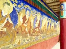 Pinturas de pared en el monasterio de Thiksay Imagen de archivo