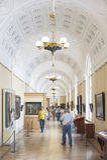 Pinturas del reloj de los visitantes en la ermita Foto de archivo libre de regalías