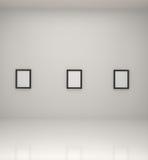 Pinturas dentro de una galería Foto de archivo libre de regalías