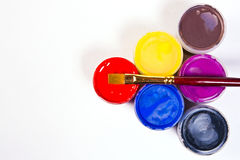 Pinturas e escovas do Gouache Fotos de Stock Royalty Free