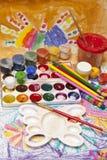 Pinturas y cepillos Imágenes de archivo libres de regalías