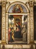 Pinturicchio Madonna e criança entronizados com Saint Santa Maria del Popolo Indicadores velhos bonitos em Roma (Italy) ilustração royalty free