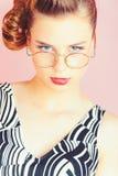 Pinup, Jugend und Blick stockfoto