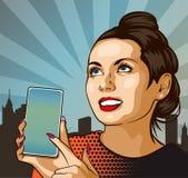 Pinupmeisje met Smartphone Mooie vrouw die op de vertoning van haar telefoon tonen Vector illustratie Harten op backgroun stock foto