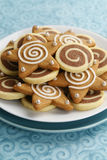 Pinwheel шоколада и замороженные печенья звезды пряника Стоковые Изображения RF