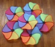 Pinwheels ou moinhos de vento de Mulitcolored Fotografia de Stock
