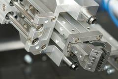 Pinza di presa del robot Fotografie Stock Libere da Diritti