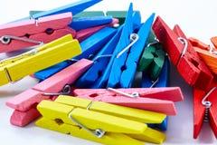 Pinzas de los colores Foto de archivo libre de regalías