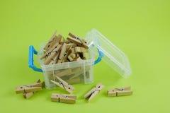 Pinzas de madera (1) fotografía de archivo libre de regalías