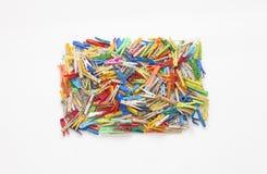 Pinzas multicoloras - cuadrado formado Fotografía de archivo libre de regalías