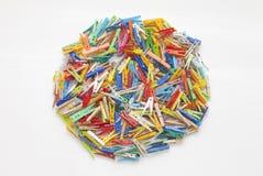 Pinzas multicoloras - redondo formado Fotos de archivo