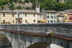 Piobbico, alte Brücke Lizenzfreie Stockfotos