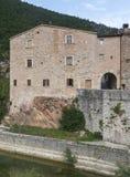 Piobbico (Marches), village historique Photographie stock