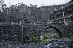 Piodao è un piccolo paesino di montagna molto vecchio, in Arganil, il Portogallo Fotografia Stock
