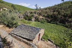 Piodao è un piccolo paesino di montagna molto vecchio, in Arganil, il Portogallo Fotografie Stock Libere da Diritti