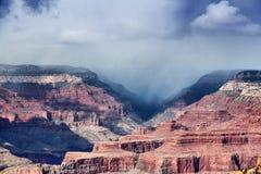 Pioggia del grande canyon Fotografie Stock