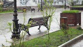 Pioggia di maggio nella via pedonale di Nal'cik Fotografia Stock Libera da Diritti