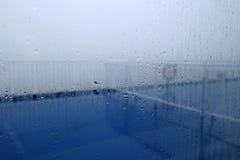 Pioggia su vetro Immagini Stock