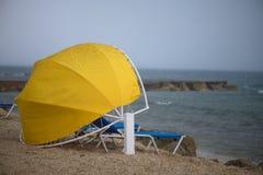 Pioggia sulla spiaggia fotografia stock