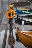 Pioggia a Torshavn alle isole faroe fotografia stock