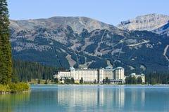 Piolho do lago chateau de transversalmente Fotos de Stock Royalty Free