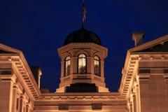 Pioniersgerechtsgebouw bij nacht royalty-vrije stock fotografie