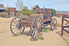 Pionierski miasteczko: Koń Rysujący Buckboard obraz stock